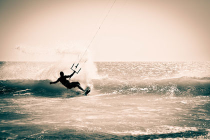 Wassersport in Andalusien - Kitesurfen